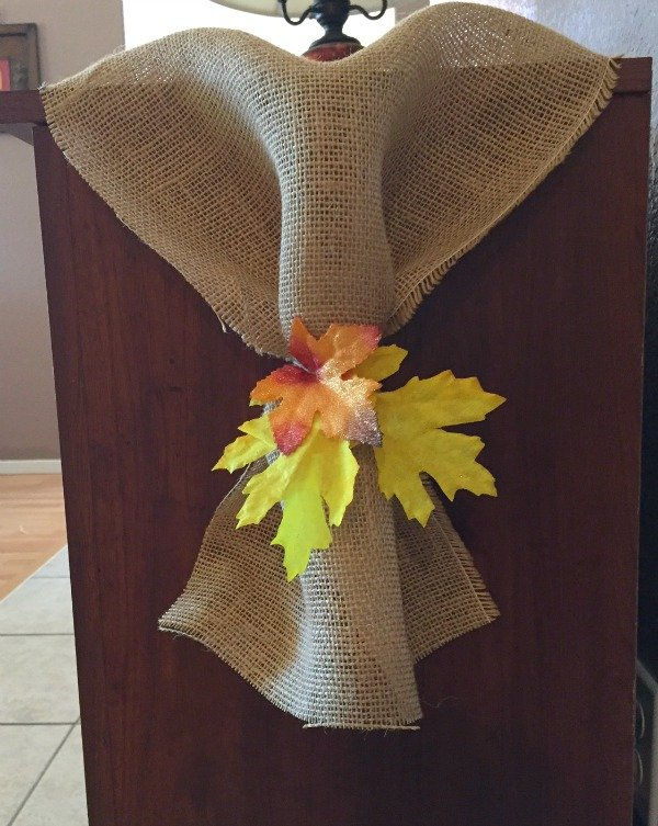 Fall decorating ideas for apartments and small spaces - use burlap and leaves