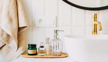 30 Decorating Tips and Storage Ideas for Small Bathrooms